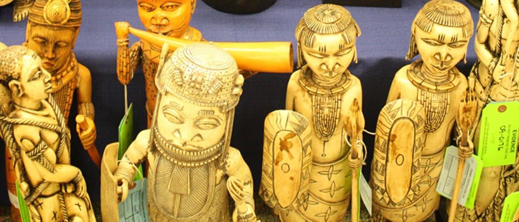 beschlagnahmte Elfenbeinfiguren