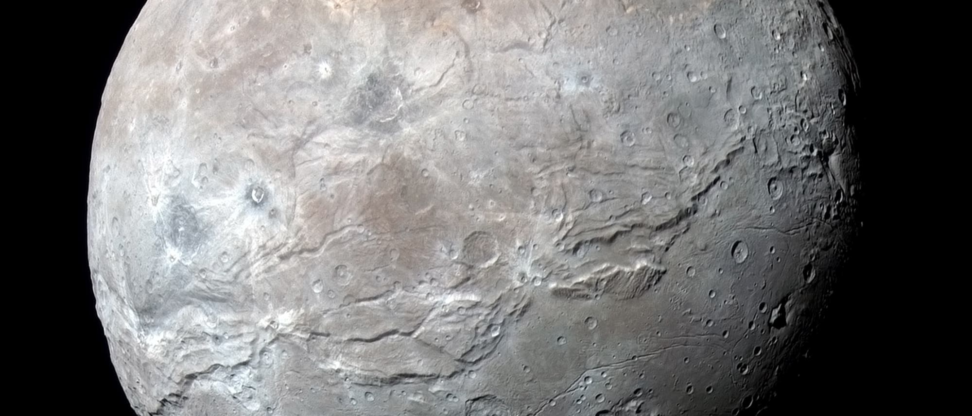 Plutomond Charon im Detail