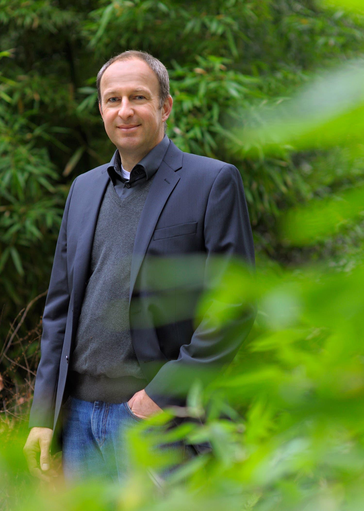 Der Landschaftsarchitekt Claus Heuvemann leitet den Botanischen Garten Erlangen der Friedrich-Alexander-Universität (FAU) Erlangen-Nürnberg.