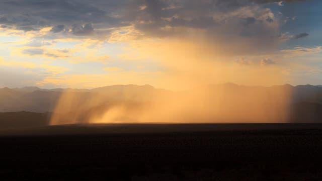 Regen im Death Valley