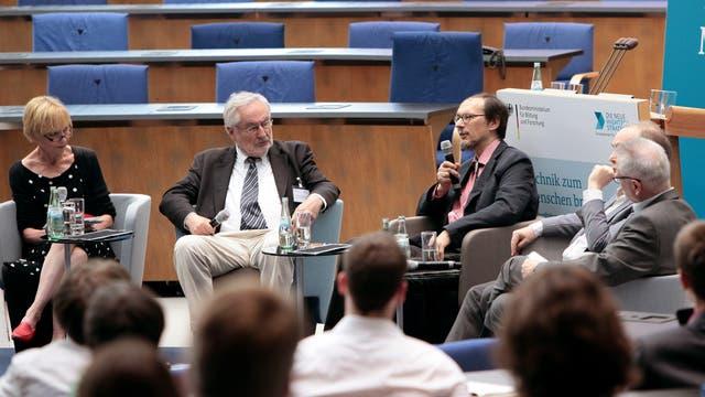 Diskussionsrunde auf dem 3. Zukunftskongress des BMBF
