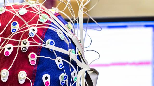 EEG-Kappe quer