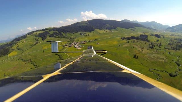 Solardrohne über Landschaft