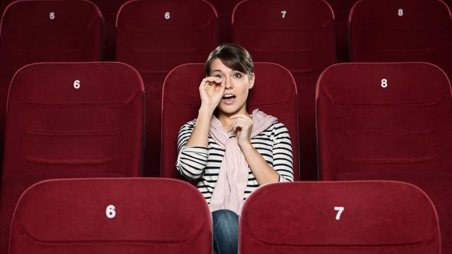 Frau im Kino