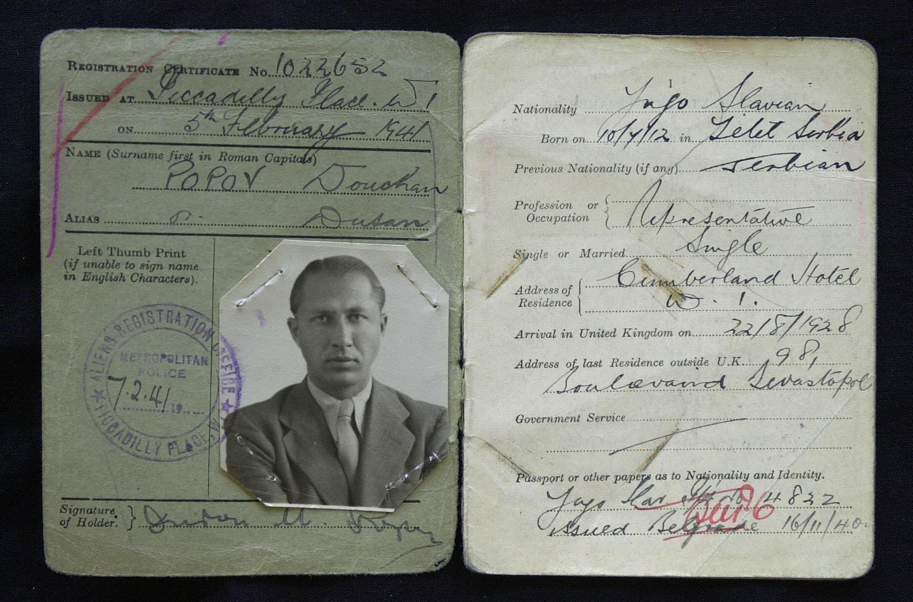 Ausweispapier von Dušan Popov (1912–1981)