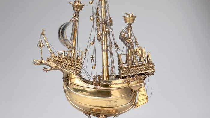 Schlüsselfelder Schiff