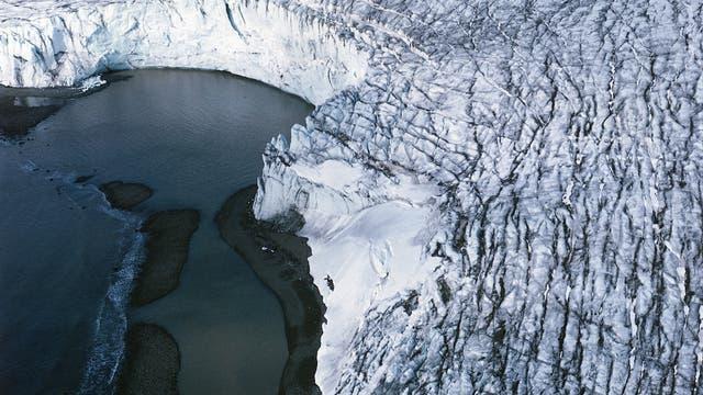 Kante eines Gletschers