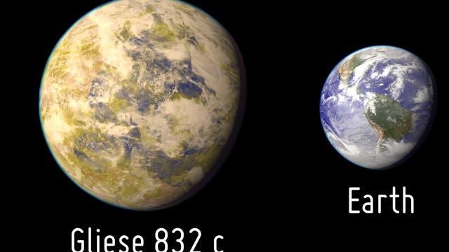 Exoplanet Gliese 832 c im Größenvergleich zur Erde