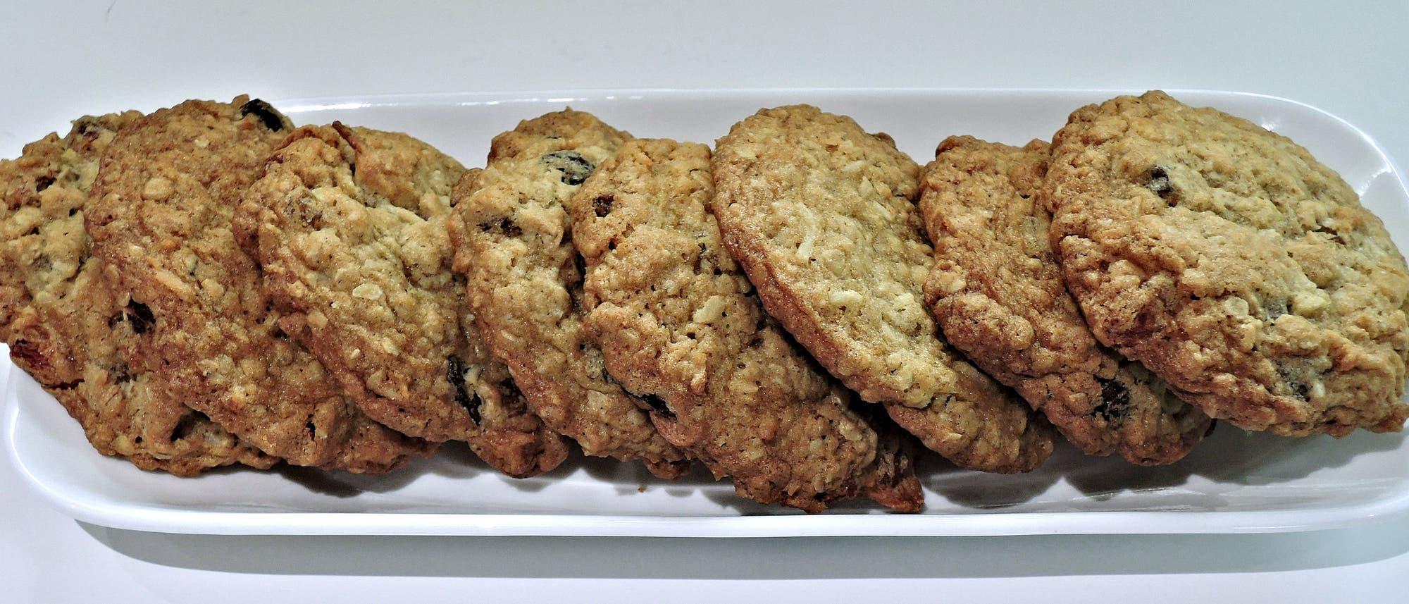 Hafer-Kokos-Kekse mit Rosinen