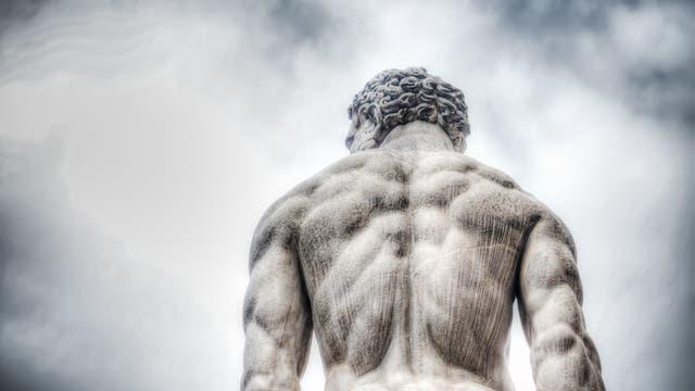 Rückenpartie einer Herkulesstatue