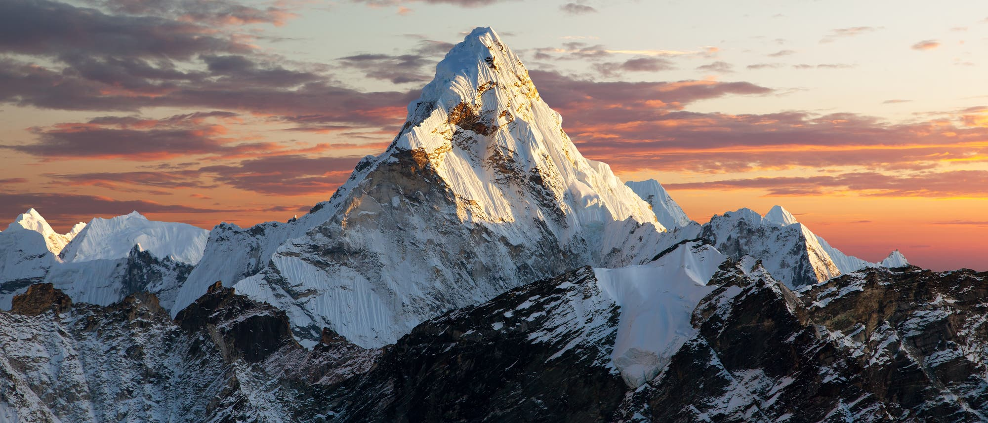 Abendblick auf den Mount Everest im Himalaja