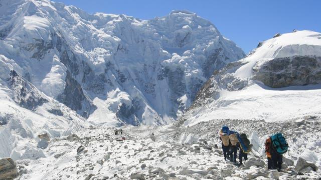 Auf dem Trakarding-Trambau-Gletscher