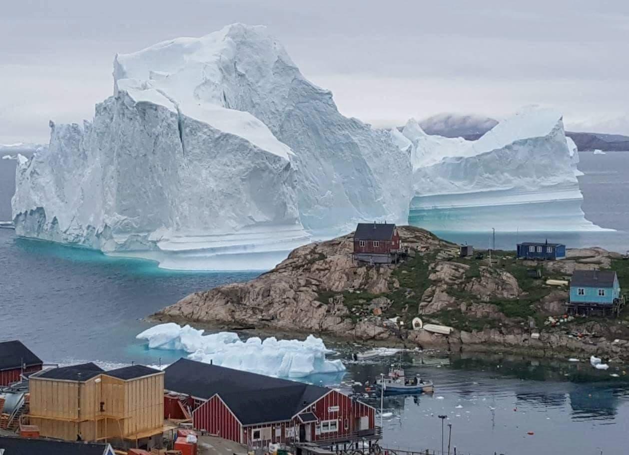 Eisberg bei Innaarsuit