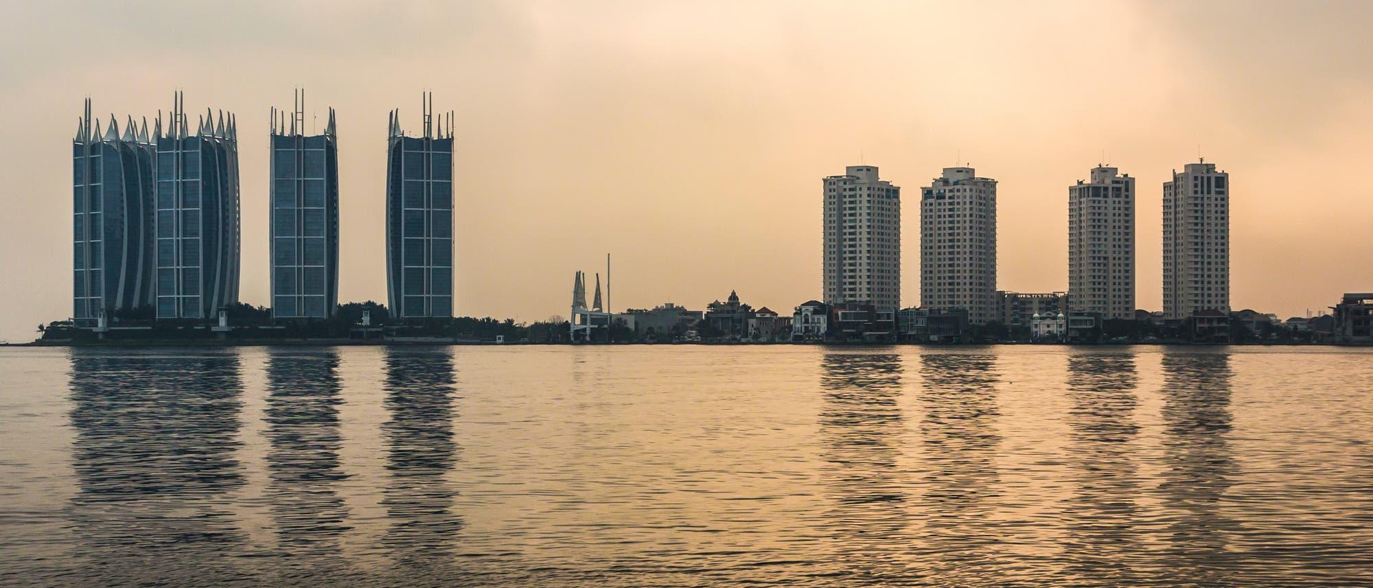 Jakarta vom Wasser aus