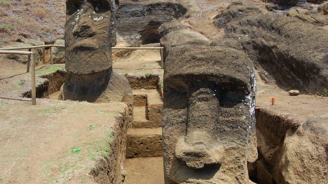 Die Moai in Rano Raraku