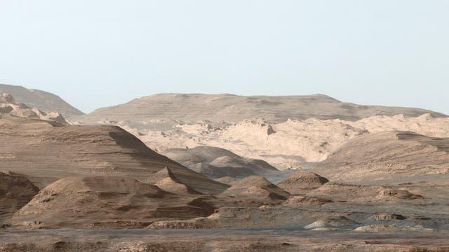 An den Hängen des Aeolis Mons