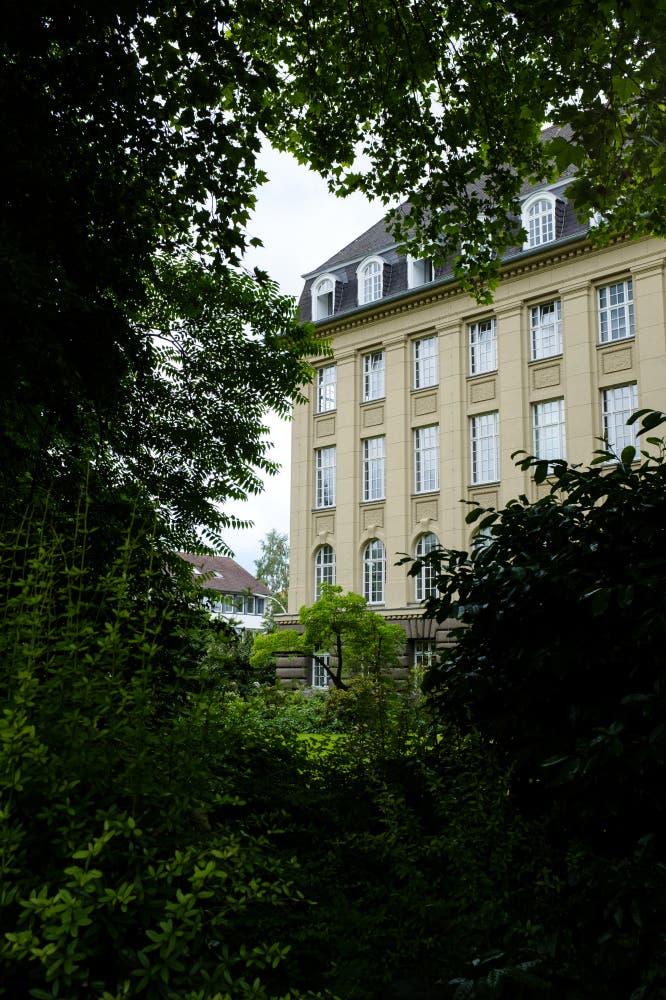 Das Mathematische Institut der Universität Bonn
