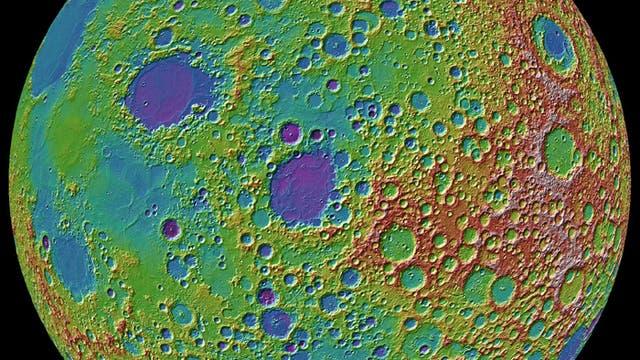 Kraterlandschaft auf dem Mond