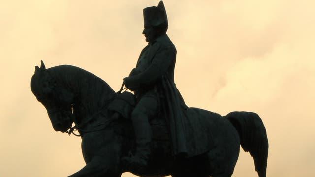 Napoleon auf seinem Pferd (Statue in Laffray)