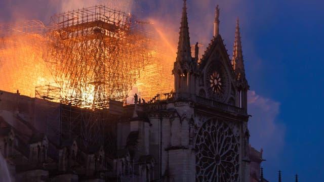 Brennende Kirche Notre-Dame