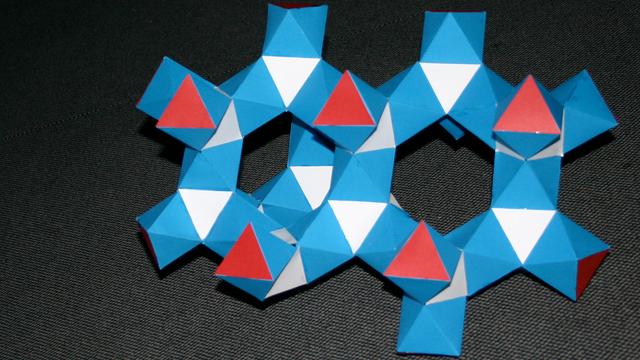 Unendlicher Körper aus Oktaedern