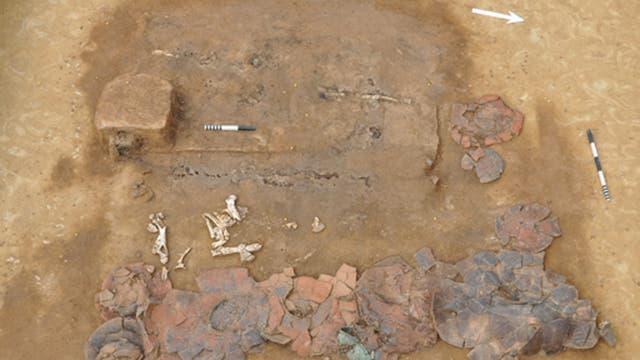Reiches Grab mit Holzwagen aus dem 8. Jahrhundert v. Chr.