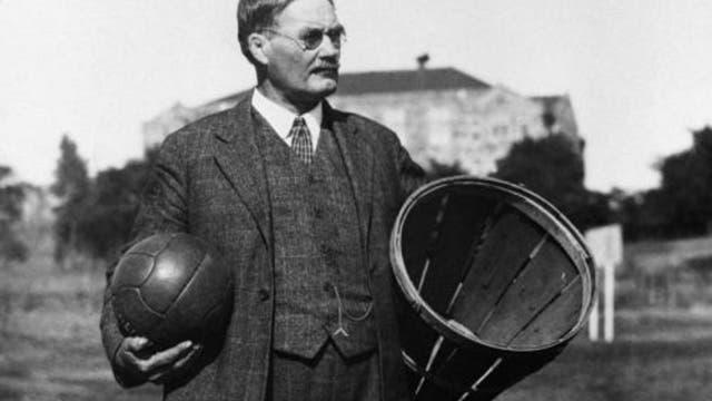 James Naismith (1861–1939) erfand 1891 Basketball.