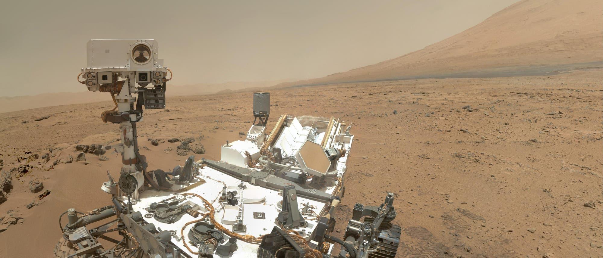 Selbstprotrait des Marsrovers Curiosity