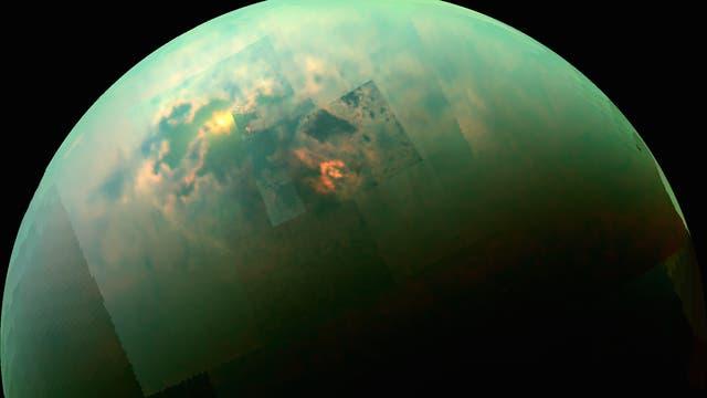 Die Seen auf dem Saturnmond Titan