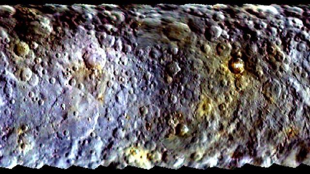 Zwergplanet Ceres in Farbe