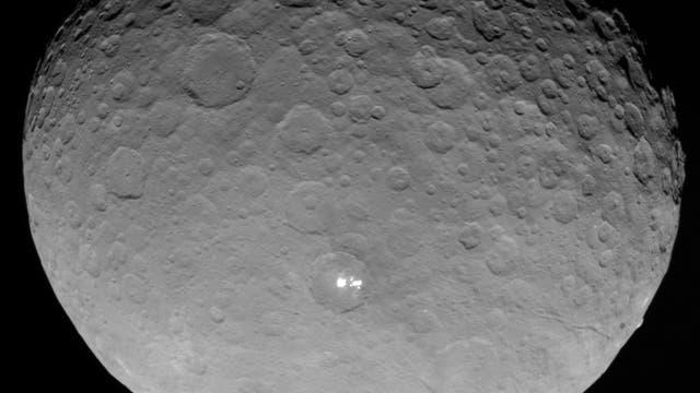 Weiße Flecken auf Ceres