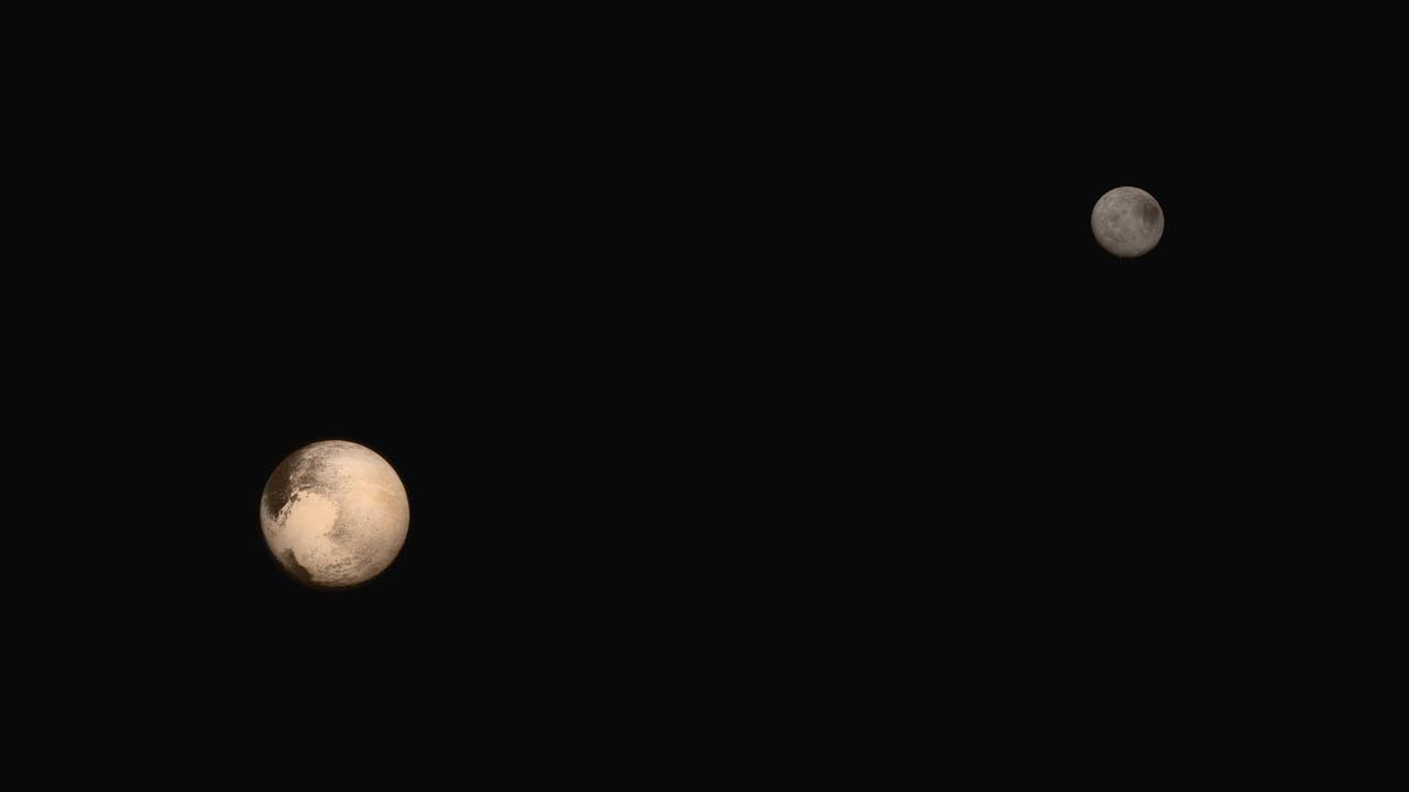Pluto und Charon im Blick von New Horizons