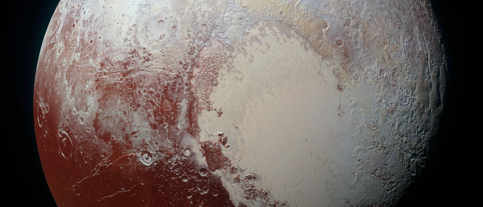 Pluto: Bekam 2015 Besuch