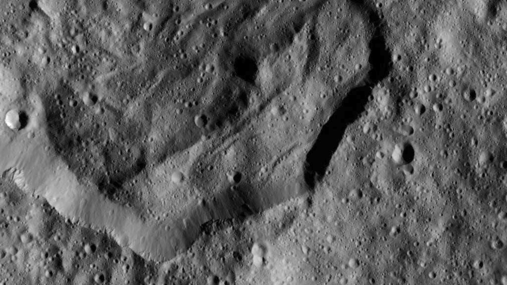 Krater Messor mit Bodenwellen