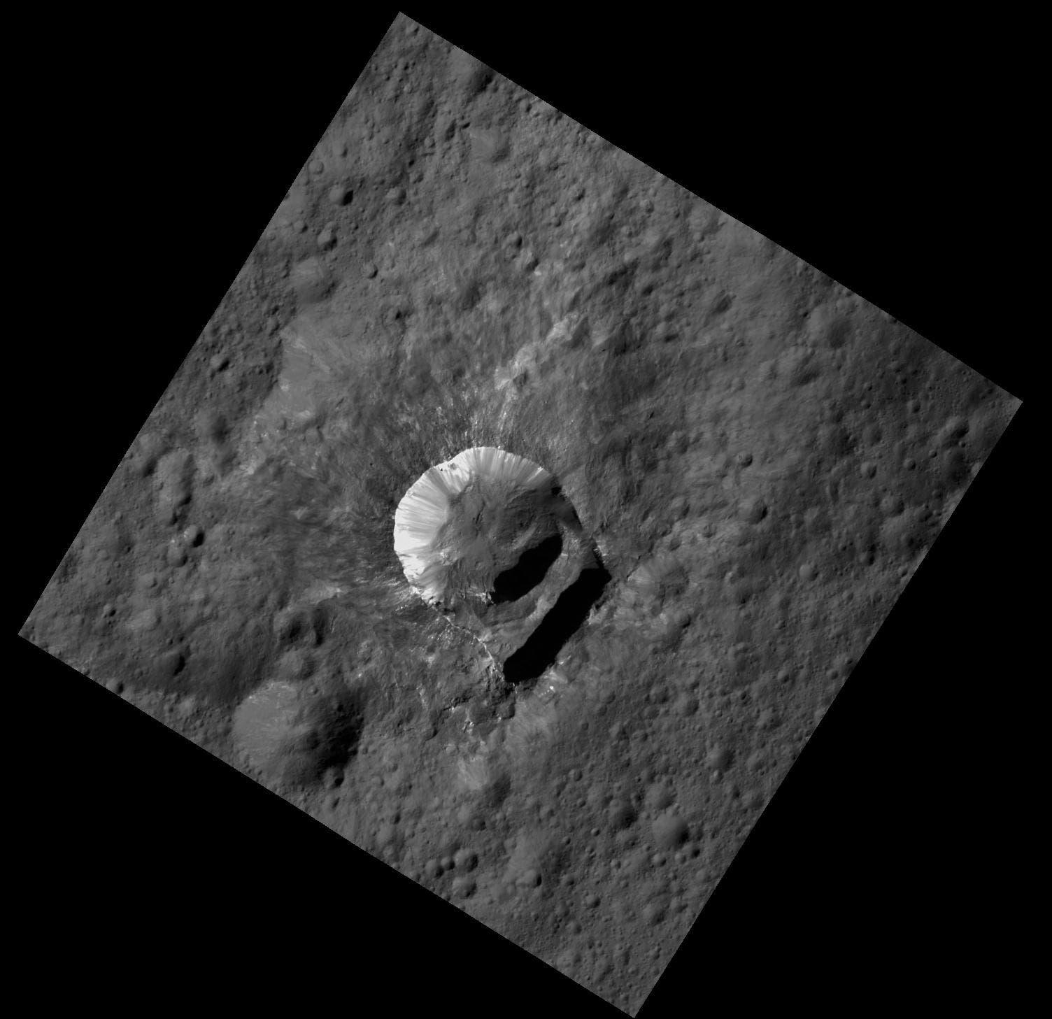 Der Krater Oxo auf Ceres (Aufnahme der US-Raumsonde Dawn)