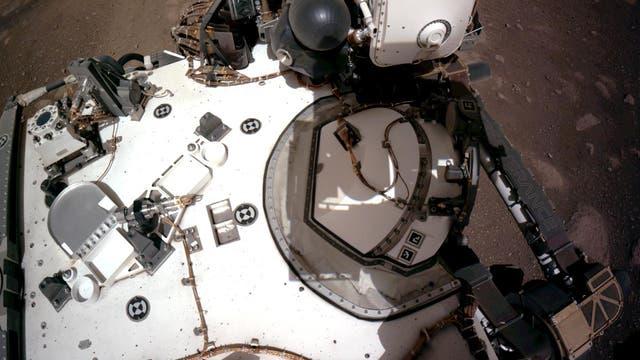 Setzt sich selbst gern in Szene: Mars-Rover »Perseverance«.