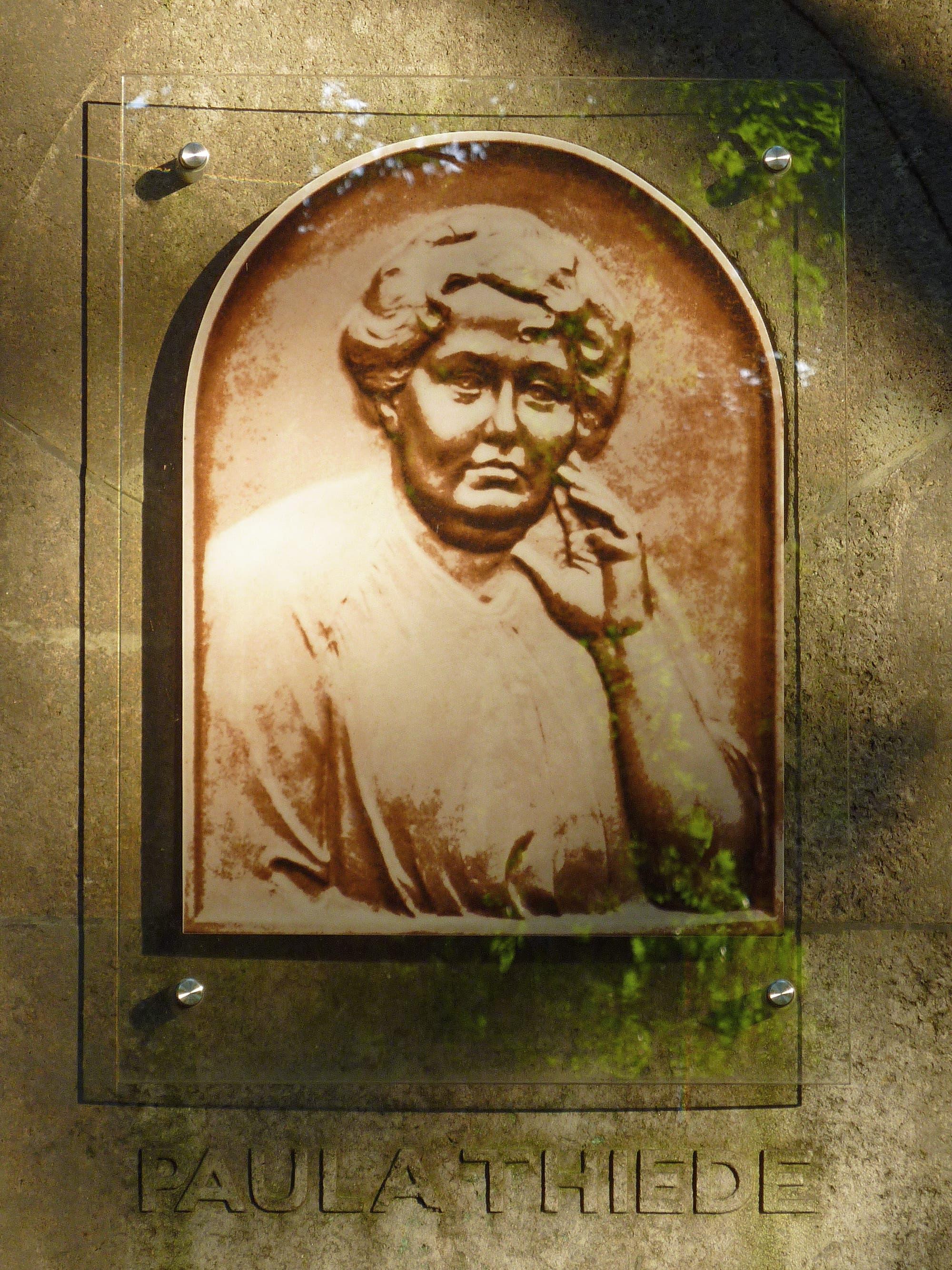 Die Gedenktafel für Paula Thiede