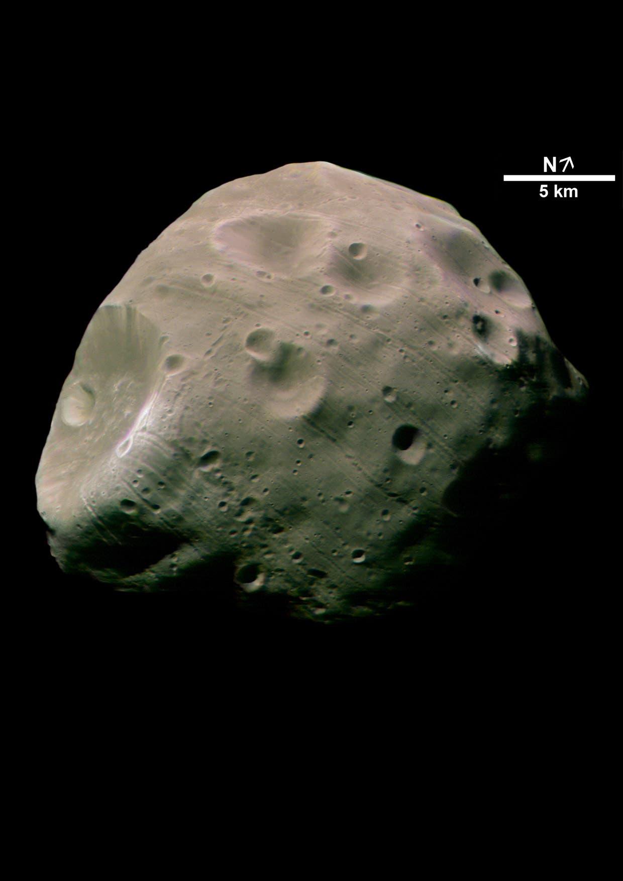 Phobos in Farbe