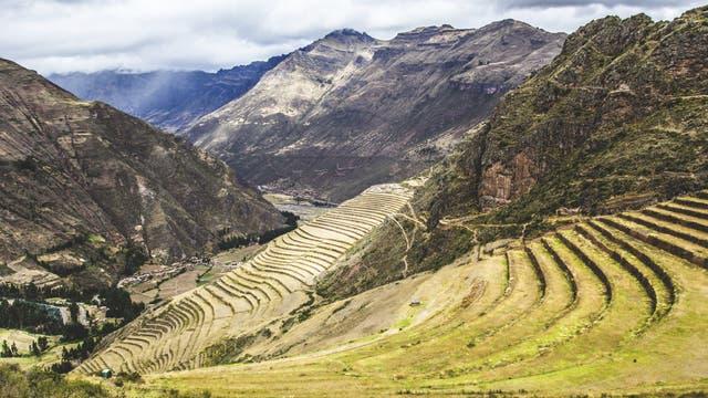 Terrassierte Felder nahe der Ruinenstätte Pisac