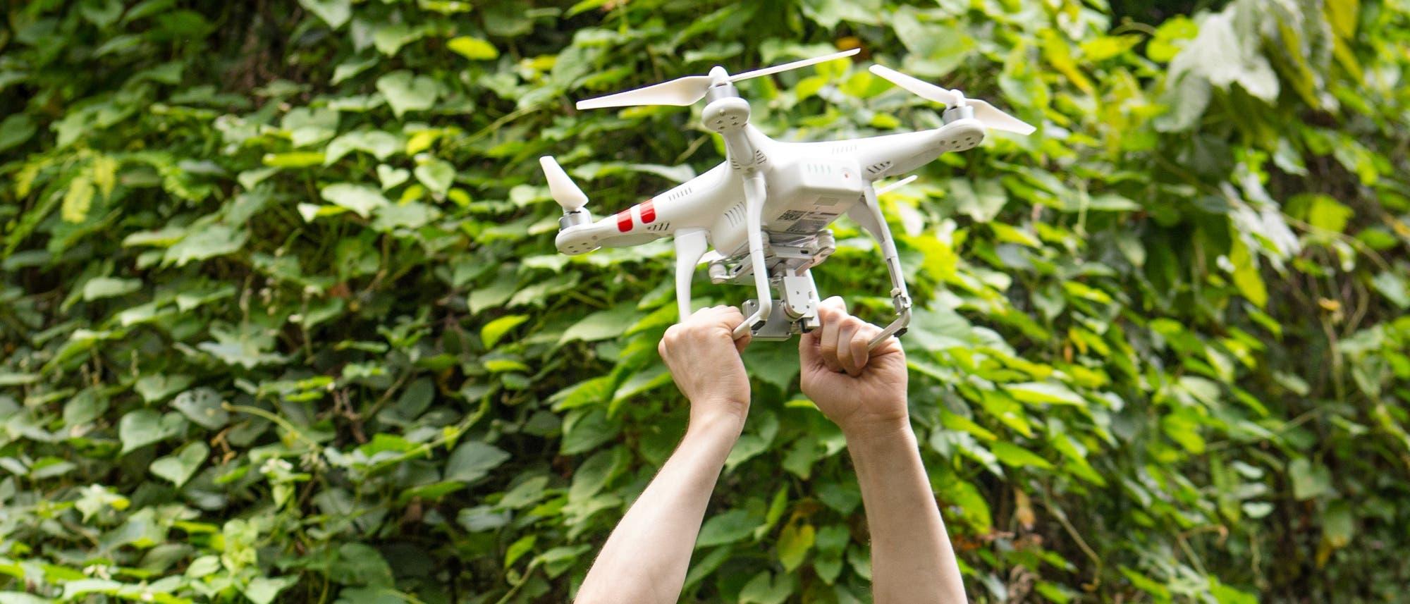 Drohne bein Feldversuch in Grenada