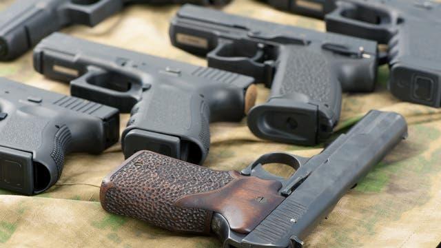 Eine Auswahl von Handfeuerwaffen