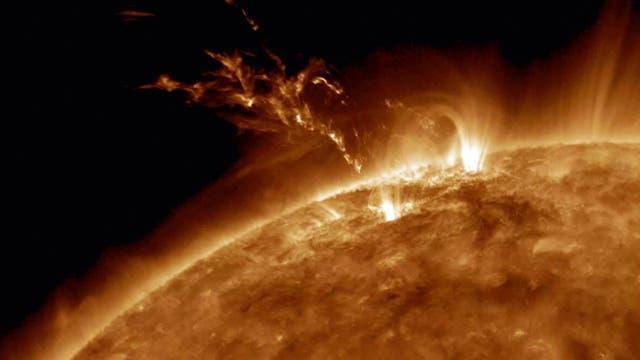 Die Energiequelle der Sonne ist die Verschmelzung von Atomkernen in ihrem heißen Inneren.