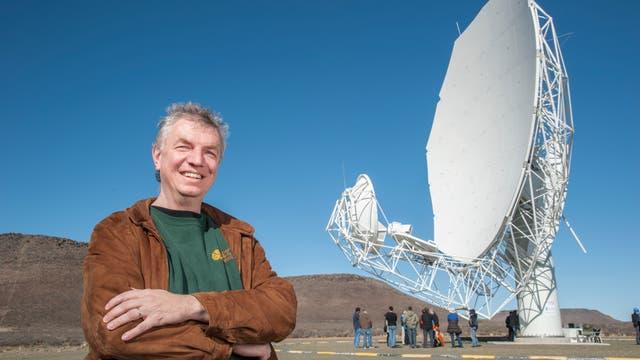 Matthias Steinmetz ist Direktor am Leibniz-Institut für Astrophysik Potsdam (AIP). Bis zum turnusmäßigen Wechsel im September 2017 war er Präsident der Astronomischen Gesellschaft (AG) und Vorsitzender des Rats deutscher Sternwarten (RDS).