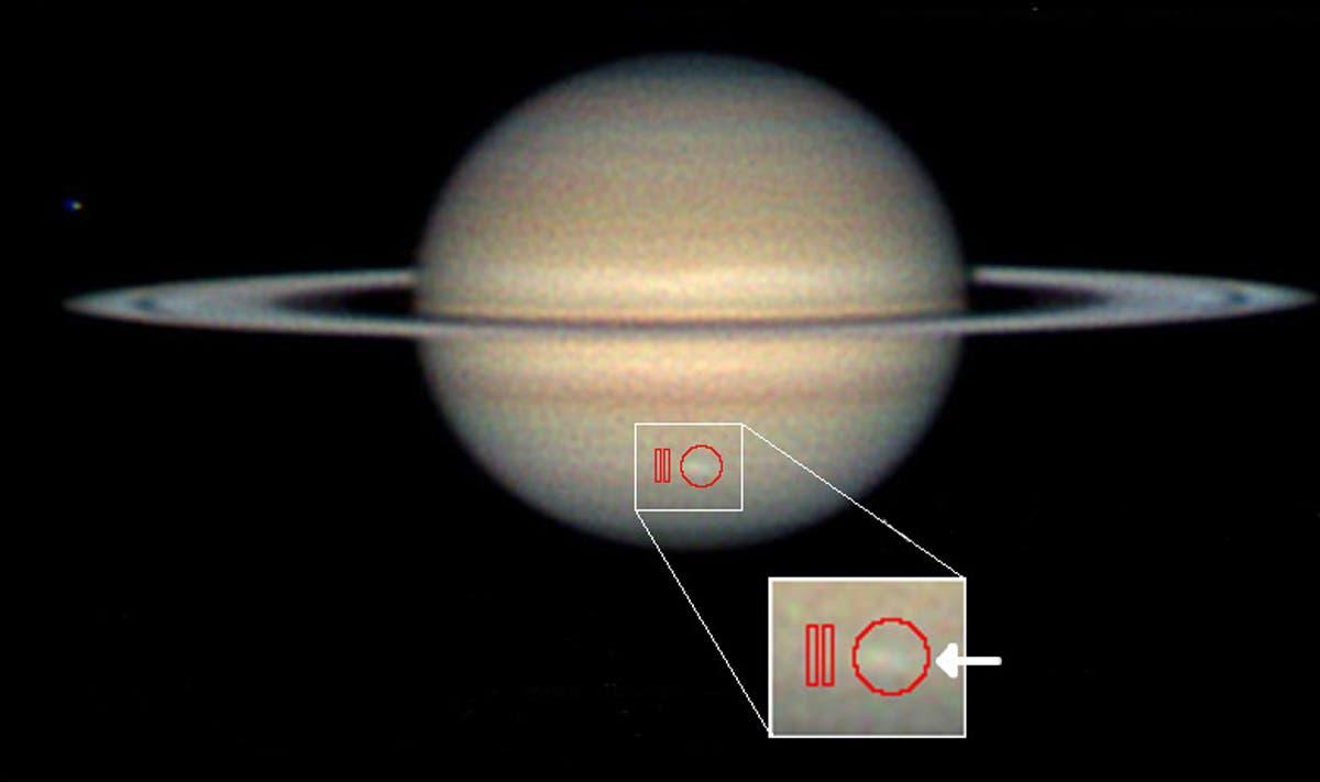 Saturn mit Sturm