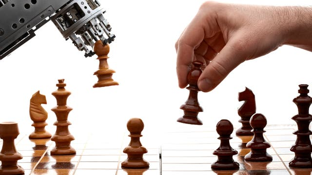 Schachpartie Roboter gegen Mensch