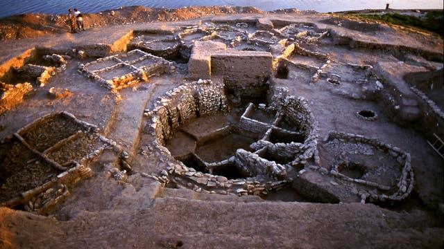In diesem Sondergebäude von Jerf el Ahmar entdeckten die Ausgräber Schädel und ein Frauenskelett.