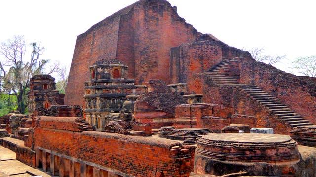 """Der Legende nach enthielt ein """"Stupa"""" von Nalanda Reliquien eines wichtigen Schülers des Buddha. Möglicherweise bildete der Stupa den Kern dieses Tempels Nr. 3."""