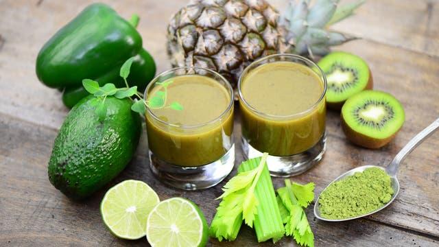 Grünes Obst und Gemüse (und Ananas)