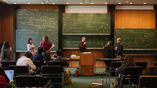 Mathematiker an der Tafel