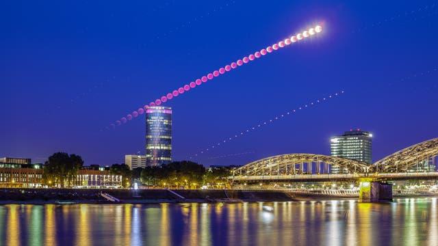 Totale Mondfinsternis über Deutschland